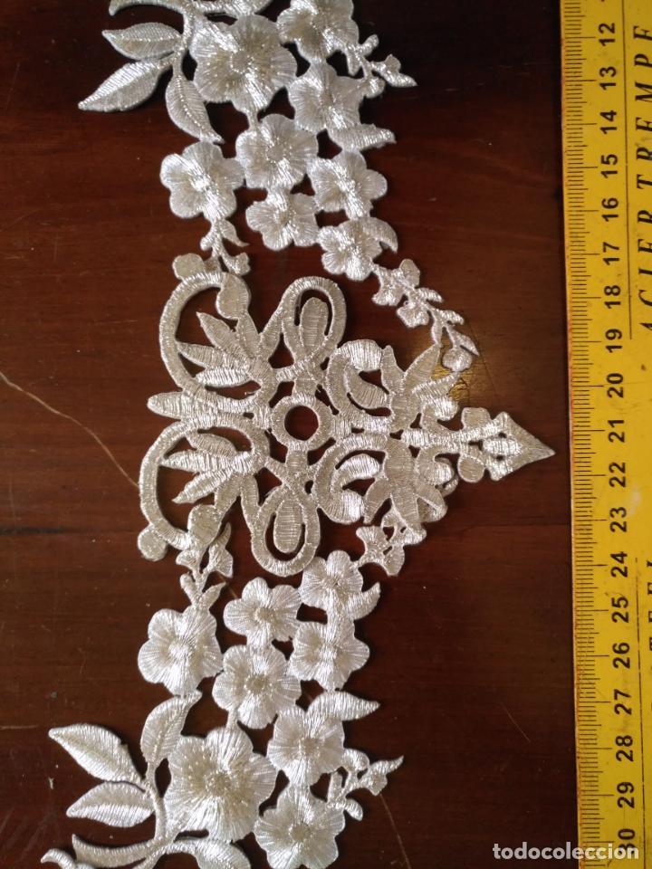 Antigüedades: fajin para virgen de tamaño natural composicion de 5 pieza aplicacion aplique bordado hilo plateado - Foto 3 - 130898644