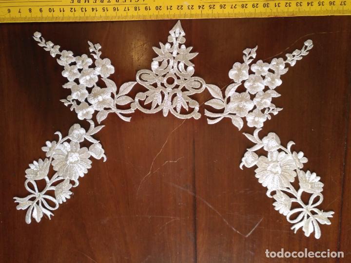 Antigüedades: fajin para virgen de tamaño natural composicion de 5 pieza aplicacion aplique bordado hilo plateado - Foto 4 - 130898644