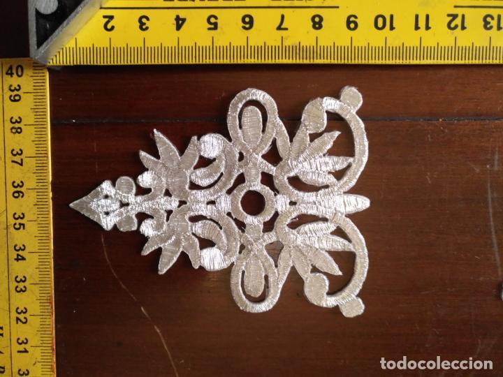 Antigüedades: fajin para virgen de tamaño natural composicion de 5 pieza aplicacion aplique bordado hilo plateado - Foto 9 - 130898644