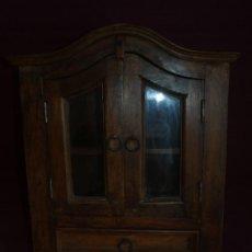 Antigüedades: PEQUEÑO MUEBLE ANTIGUO DE MUY BUENA MADERA. Lote 130912860