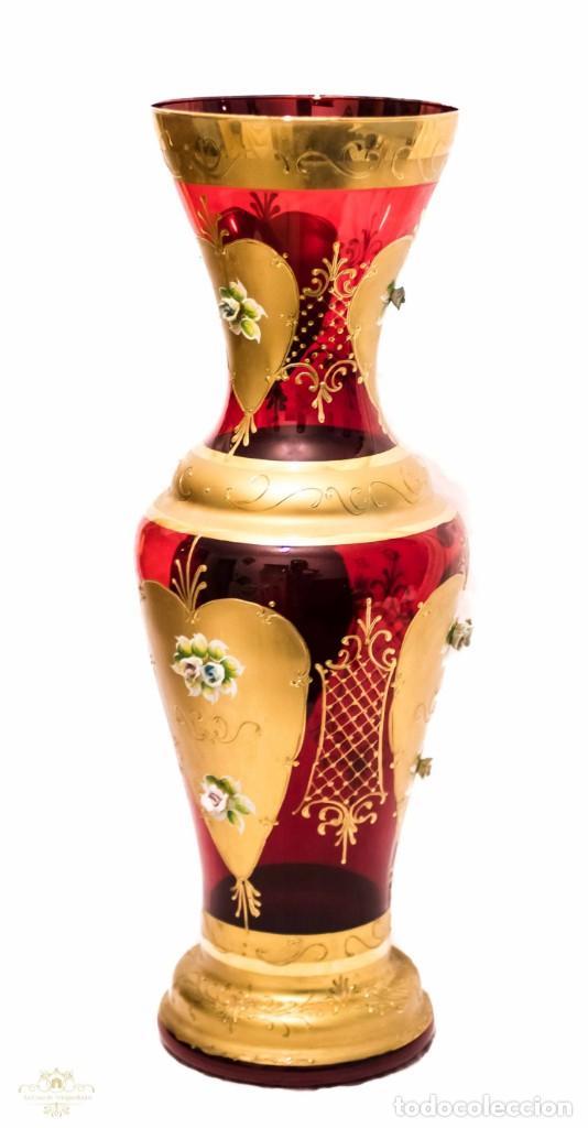 ELEGANTE JARRON , BOHEMIA , PINTADO A MANO, EN EXCELENTE ESTADO (Antigüedades - Cristal y Vidrio - Bohemia)