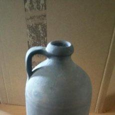 Antigüedades: JARRA BOTIJO CERAMICA NEGRA QUART GIRONA FIRMADO. Lote 131008556