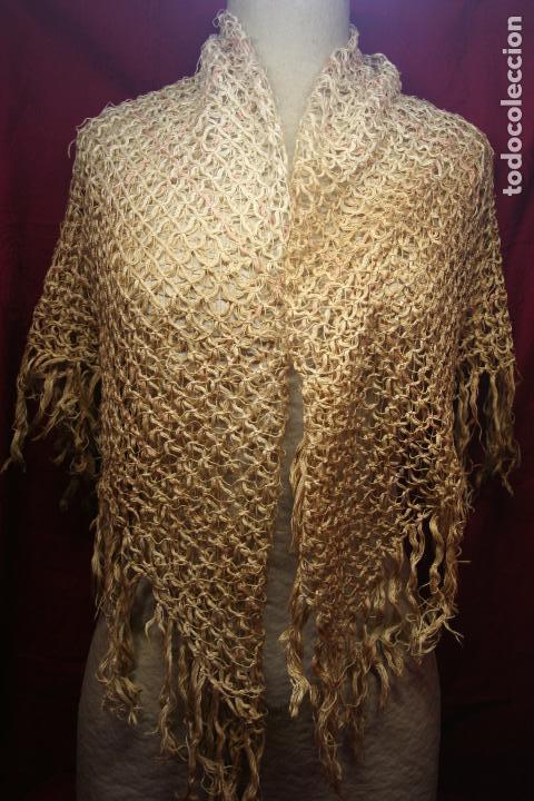Antigüedades: ANTIGUO MANTON DE 100 X 100 MAS 10 CM FLECO - Foto 2 - 131012240