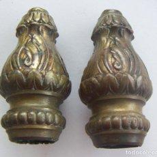 Antigüedades: 2 REMATES PARA BARRA DE CORTINA O PARA CABEZAL DE CAMA DE BRONCE. Lote 131059004