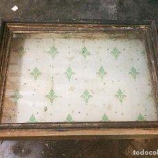 Antigüedades: CUADRO VITRINA DE PARED DEL SIGLO XIX. Lote 131126780