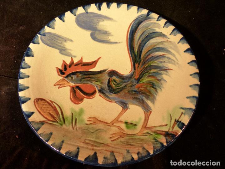 PLATO DE CERAMICA DE LA BISBAL FIRMADO PUIGDEMONT (Antigüedades - Porcelanas y Cerámicas - La Bisbal)
