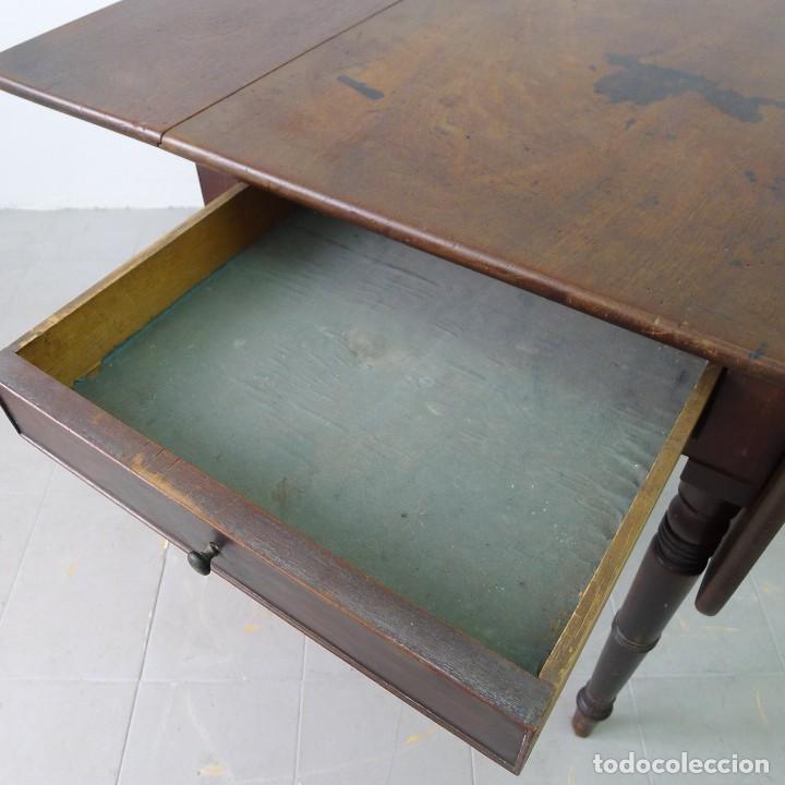 Antigüedades: MESA EXTENSIBLE DE CAOBA VICTORIANA s XIX CON UN CAJON - Foto 6 - 131161156