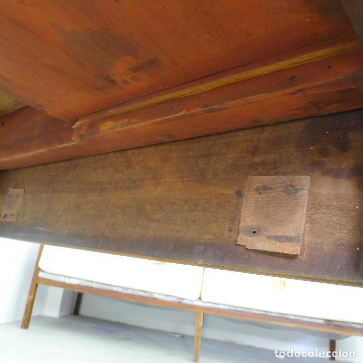 Antigüedades: MESA EXTENSIBLE DE CAOBA VICTORIANA s XIX CON UN CAJON - Foto 9 - 131161156