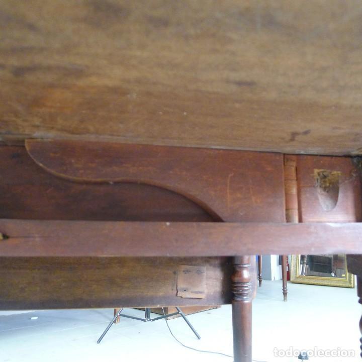 Antigüedades: MESA EXTENSIBLE DE CAOBA VICTORIANA s XIX CON UN CAJON - Foto 15 - 131161156