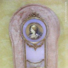 Antigüedades: BENDITERA DORADA Y FIRMADA. Lote 131190552