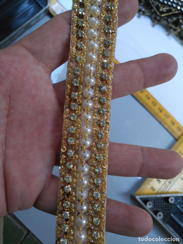 Antigüedades: antigua aplicacion galon trozo para decorar ropa customizar virgen muñecas fajin etc leer - Foto 5 - 131294603