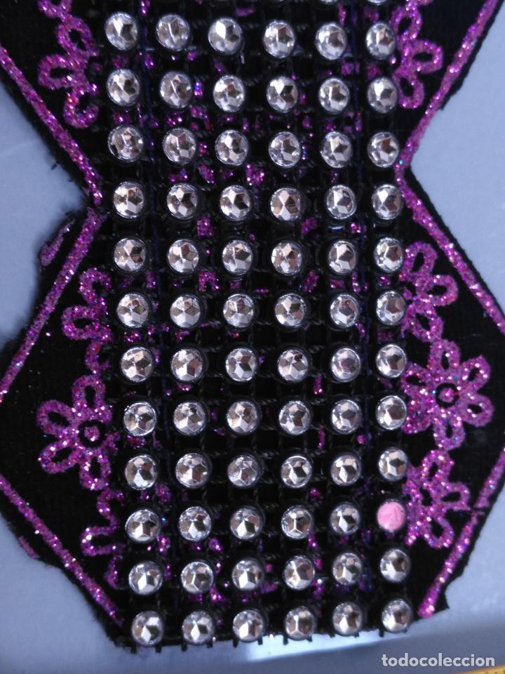 Antigüedades: antigua aplicacion galon trozo para decorar ropa customizar virgen muñecas fajin etc leer - Foto 2 - 131293367
