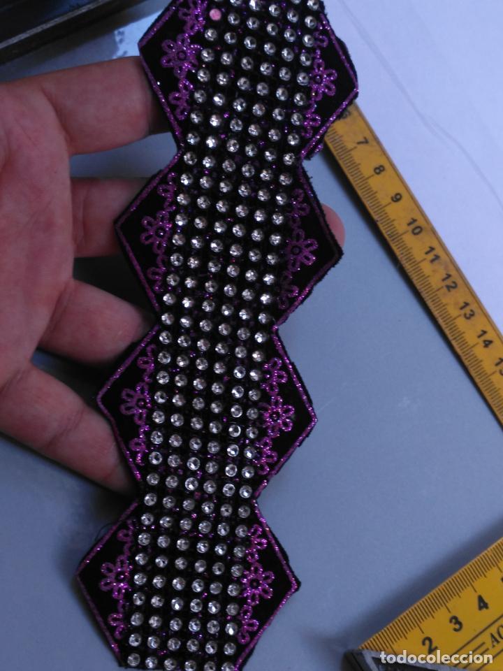 Antigüedades: antigua aplicacion galon trozo para decorar ropa customizar virgen muñecas fajin etc leer - Foto 5 - 131293367