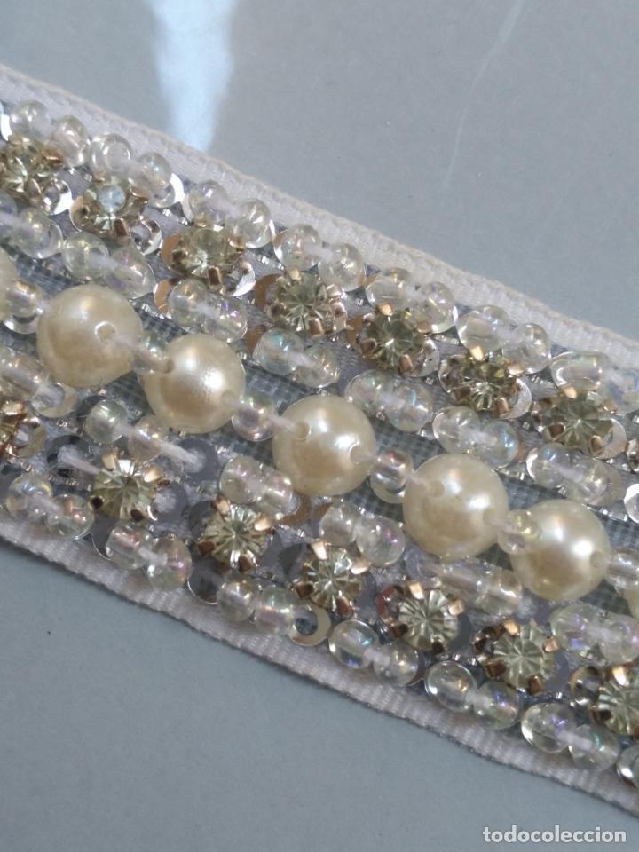Antigüedades: antigua aplicacion galon trozo para decorar ropa customizar virgen muñecas fajin etc leer - Foto 6 - 131297475