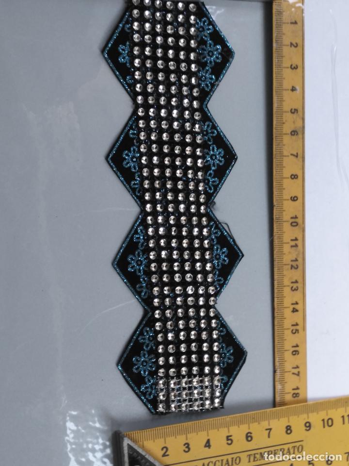 Antigüedades: antigua aplicacion galon trozo para decorar ropa customizar virgen muñecas fajin etc leer - Foto 5 - 131297819