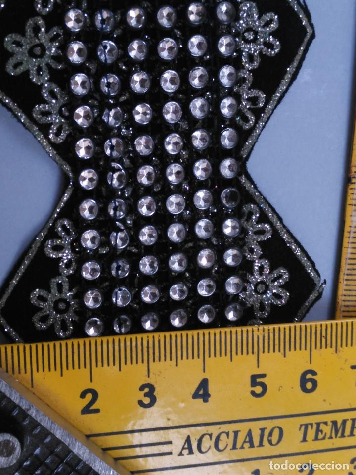 Antigüedades: antigua aplicacion galon trozo para decorar ropa customizar virgen muñecas fajin etc leer - Foto 6 - 131297883