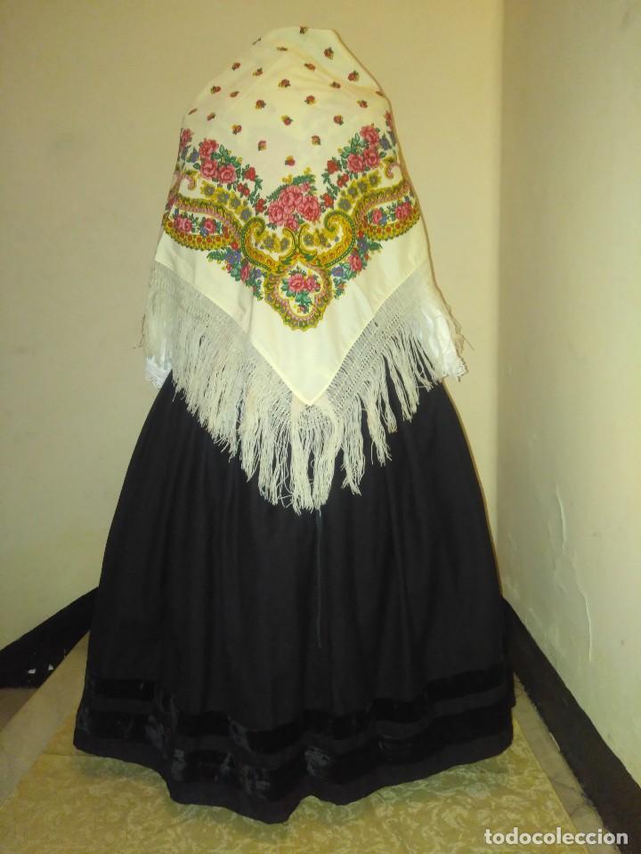 Antigüedades: Mantón de algodón fino estampado con fleco de lana para indumentaria tradicional - Foto 4 - 131310215