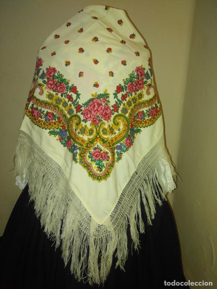 Antigüedades: Mantón de algodón fino estampado con fleco de lana para indumentaria tradicional - Foto 5 - 131310215