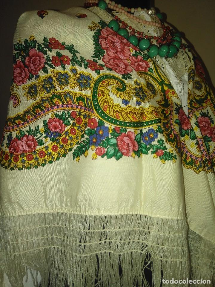 Antigüedades: Mantón de algodón fino estampado con fleco de lana para indumentaria tradicional - Foto 7 - 131310215