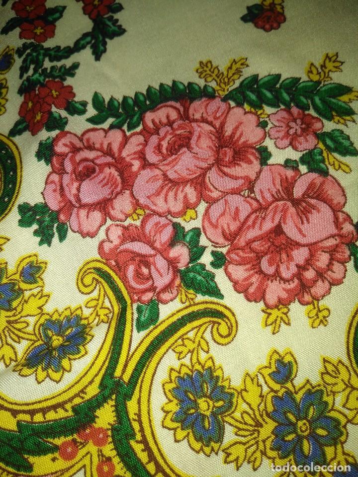 Antigüedades: Mantón de algodón fino estampado con fleco de lana para indumentaria tradicional - Foto 14 - 131310215
