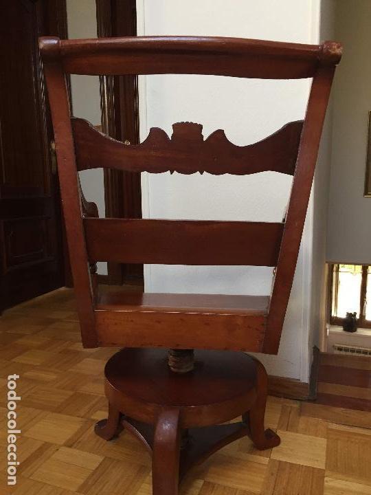 Antigüedades: SILLÓN GIRATORIO MODERNISTA DE DESPACHO TIPO GAUDÍ - Foto 7 - 131325654
