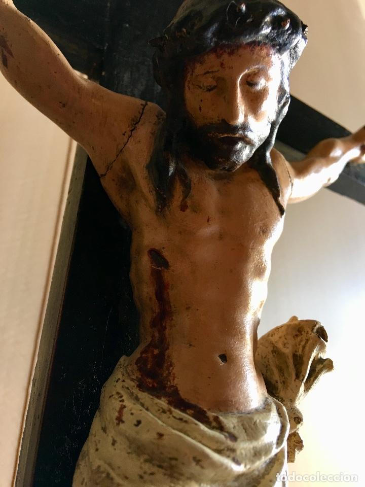 Antigüedades: ANTIGUO CRUCIFIJO EN TALLA DE MADERA - Foto 4 - 131417870