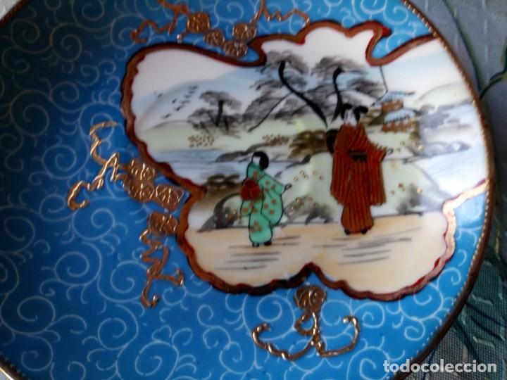 Antigüedades: Precioso plato de porcelana china sellado ,pintado a mano, - Foto 2 - 131448926