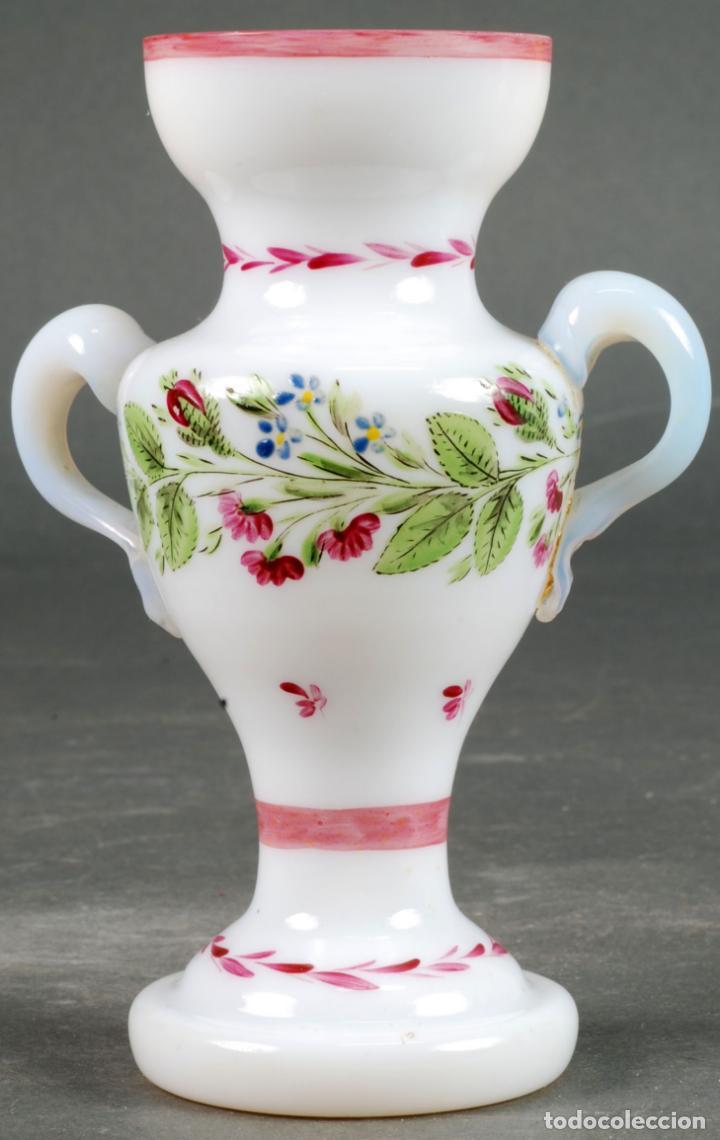 ANFORA JARRÓN EN CRISTAL OPALINA LA GRANJA PINTADA A MANO SIGLO XIX (Antigüedades - Cristal y Vidrio - La Granja)