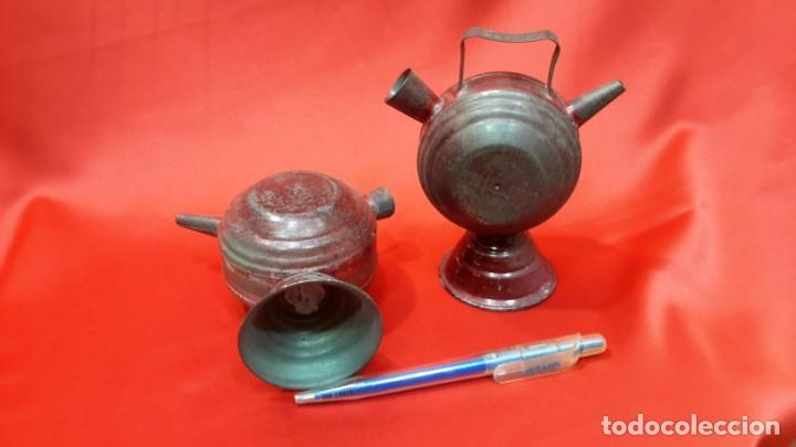 Antigüedades: DOS BOTIJOS DE HOJALATA. - Foto 3 - 131533158
