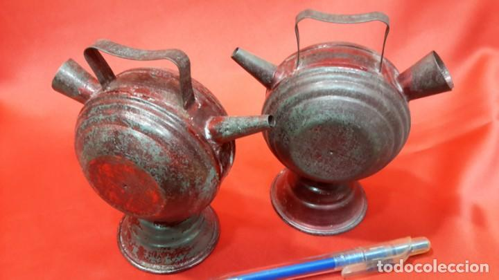 Antigüedades: DOS BOTIJOS DE HOJALATA. - Foto 6 - 131533158