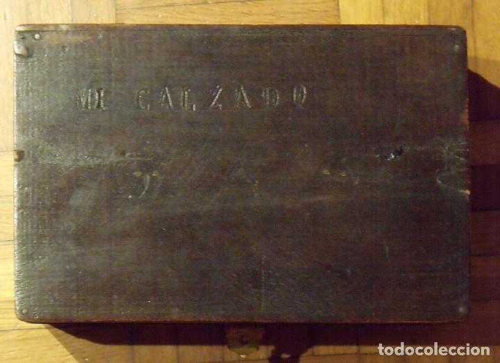 CAJA DE MADERA DE ZAPATOS CON HERRAJES ORIGINALES. 15X29X10 CM. MI ZAPATO. FINALES SIGLO XIX. (Antigüedades - Varios)