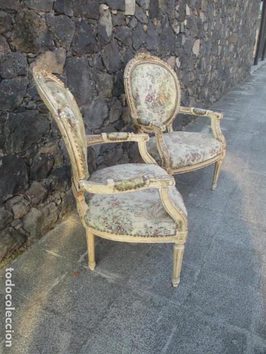 Antigüedades: Pareja de Sillones - Sillón - Madera Tallada y Lacada - Estilo Luis XV, Francia - Tapicería Original - Foto 7 - 131557346