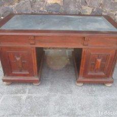 Antigüedades: GRAN MESA DE DESPACHO - ALFONSINA - MADERA DE NOGAL - DESMONTABLE - FINALES S. XIX. Lote 132882070