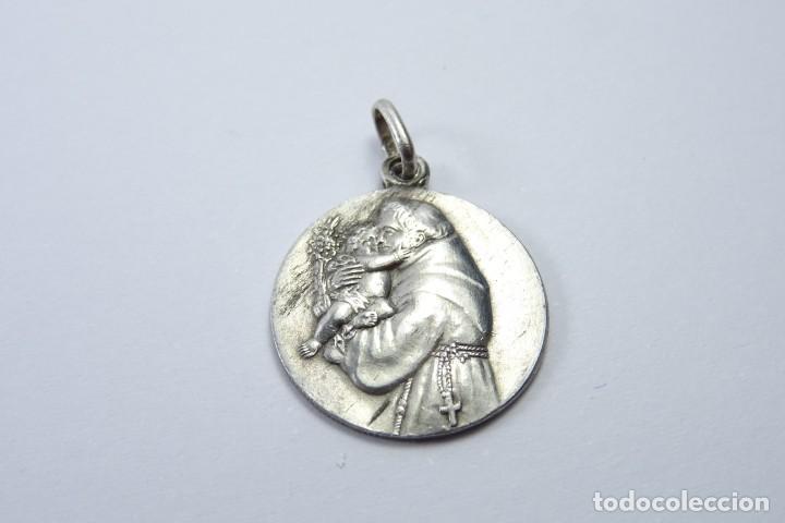 cb558892864 Medalla en plata de san antonio de padua antigüedades religiosas medallas  antiguas jpg 720x480 San antonio