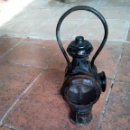 Antigüedades: *ANTIGUO FAROL DE FERROCARRIL. TREN.GUARDAVIAS. 40 CM A!TURA. (RF:B/B*). Lote 131580186
