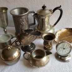Antigüedades: GRAN LOTE BAÑADO PLATA TETERA Y OTROS VARIOS Y TERMOMETRO PRESION (TALCUAL IMAGENES). Lote 131611182
