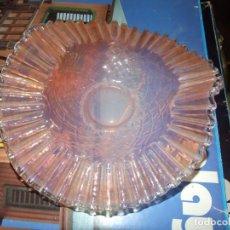 Antigüedades: ANTIGUO CENTRO DE MESA MODERNISTA ART-NOUVEAU - VIDRIO RIZADO Y DECORADO COLOR ROJIZO. Lote 131739190