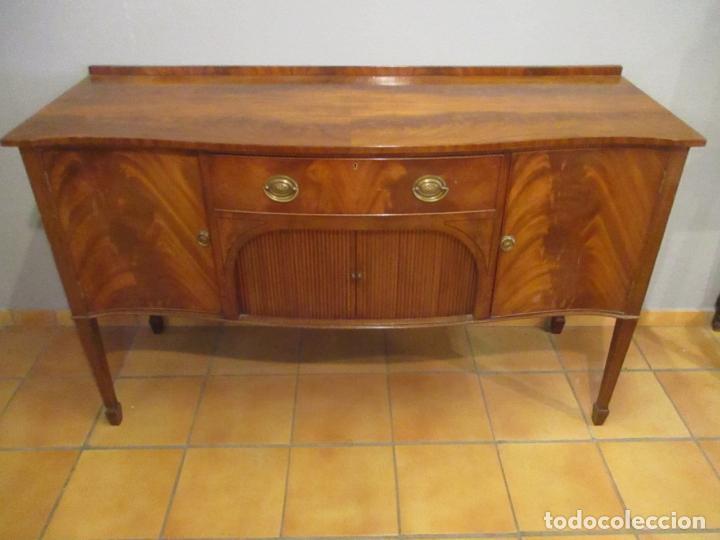 Antigüedades: Antiguo Mueble Aparador - Mesa, Cómoda - Bufet Victoriano, Inglés - Madera Caoba - Forma Curva - Foto 2 - 144070385