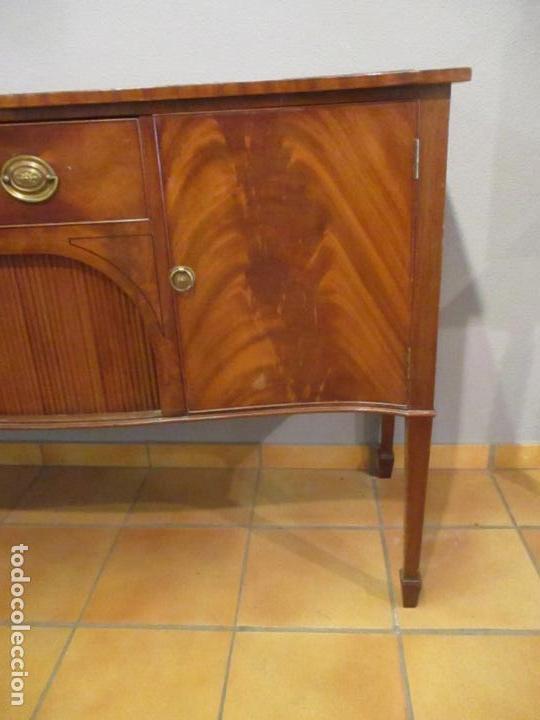 Antigüedades: Antiguo Mueble Aparador - Mesa, Cómoda - Bufet Victoriano, Inglés - Madera Caoba - Forma Curva - Foto 7 - 144070385