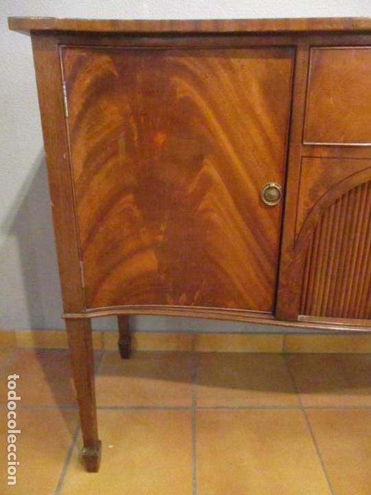 Antigüedades: Antiguo Mueble Aparador - Mesa, Cómoda - Bufet Victoriano, Inglés - Madera Caoba - Forma Curva - Foto 8 - 144070385