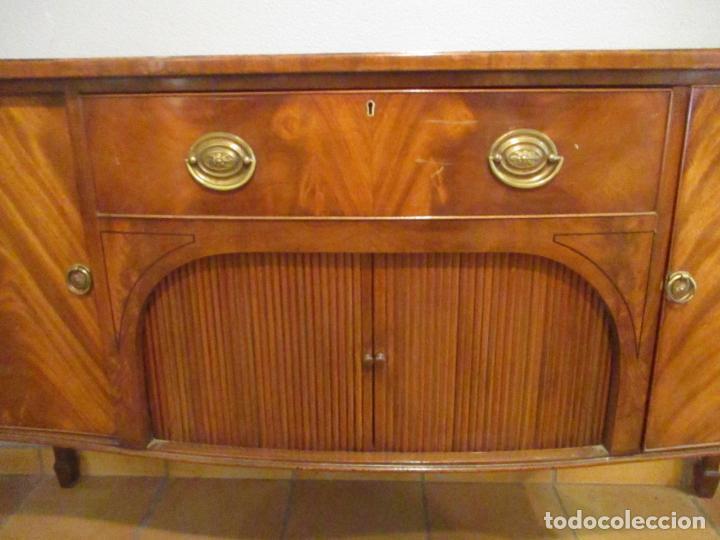 Antigüedades: Antiguo Mueble Aparador - Mesa, Cómoda - Bufet Victoriano, Inglés - Madera Caoba - Forma Curva - Foto 9 - 144070385