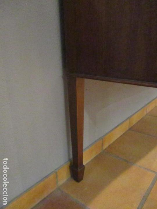 Antigüedades: Antiguo Mueble Aparador - Mesa, Cómoda - Bufet Victoriano, Inglés - Madera Caoba - Forma Curva - Foto 11 - 144070385