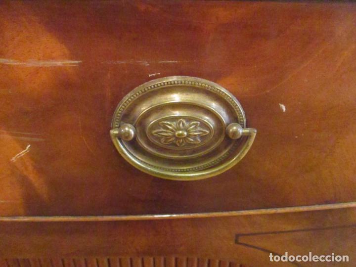 Antigüedades: Antiguo Mueble Aparador - Mesa, Cómoda - Bufet Victoriano, Inglés - Madera Caoba - Forma Curva - Foto 14 - 144070385