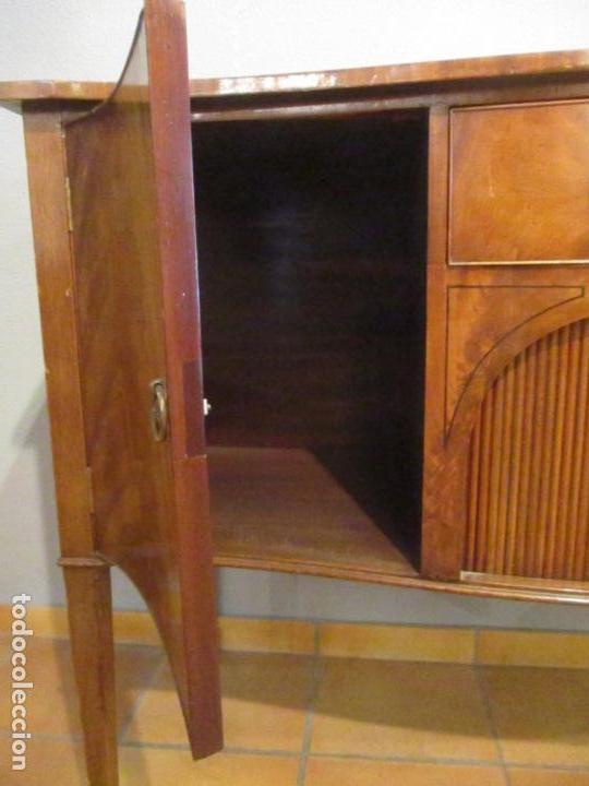 Antigüedades: Antiguo Mueble Aparador - Mesa, Cómoda - Bufet Victoriano, Inglés - Madera Caoba - Forma Curva - Foto 17 - 144070385
