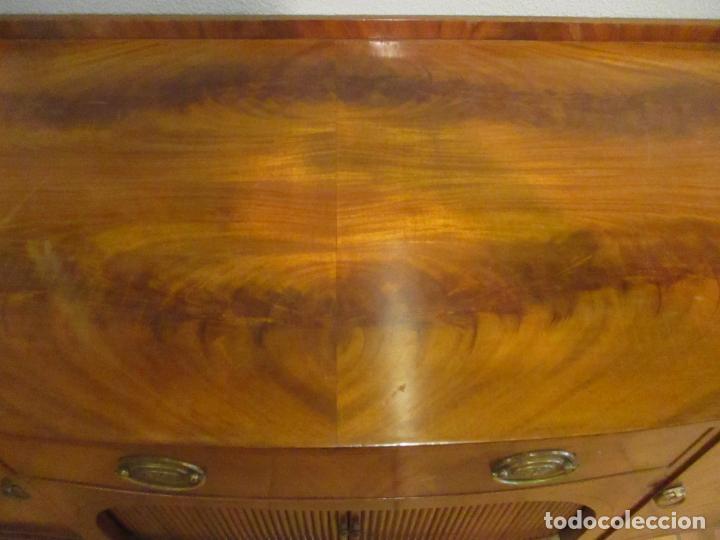 Antigüedades: Antiguo Mueble Aparador - Mesa, Cómoda - Bufet Victoriano, Inglés - Madera Caoba - Forma Curva - Foto 18 - 144070385