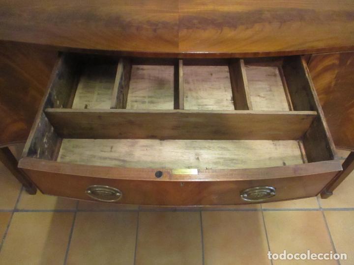 Antigüedades: Antiguo Mueble Aparador - Mesa, Cómoda - Bufet Victoriano, Inglés - Madera Caoba - Forma Curva - Foto 19 - 144070385