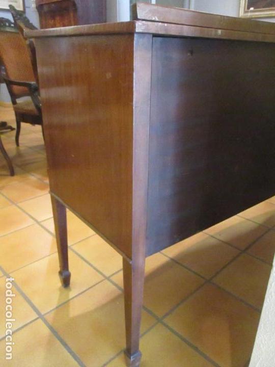 Antigüedades: Antiguo Mueble Aparador - Mesa, Cómoda - Bufet Victoriano, Inglés - Madera Caoba - Forma Curva - Foto 28 - 144070385