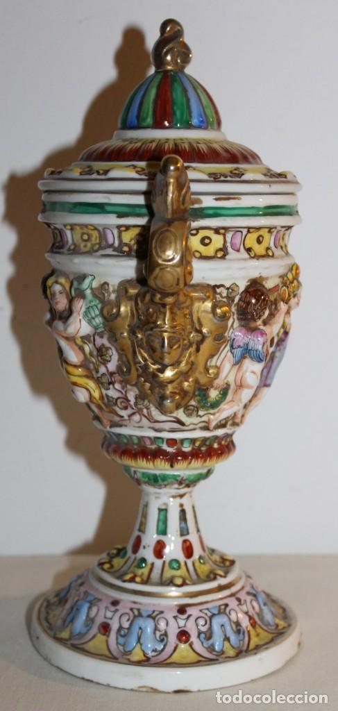 Antigüedades: COPA TIBOR EN PORCELANA ESMALTADA DE CAPODIMONTE CON ESCENAS EN RELIEVE - MEDIADOS DEL SIGLO XX - Foto 6 - 131904182
