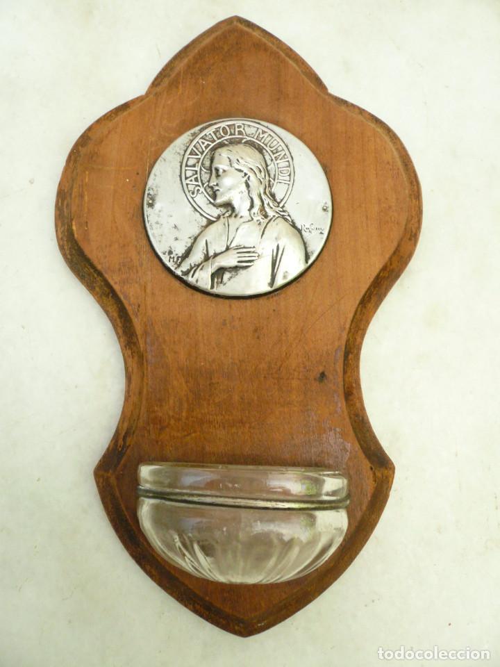 BENDITERA FRANCESA. CIRCA 1900. CRISTO SALVADOR DEL MUNDO. FIRMADA POR RUFFONY (Antigüedades - Religiosas - Benditeras)