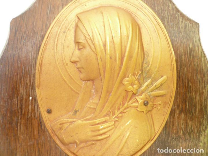 Antigüedades: BENDITERA FRANCESA. CIRCA 1900. VIRGEN CON LIRIOS. FIRMADA POR ESCUDERO - Foto 5 - 131948446